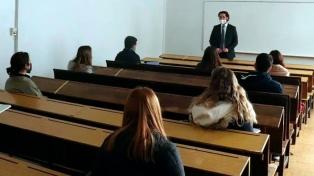 Derecho de la UBA regresa a la presencialidad en algunas clases teóricas