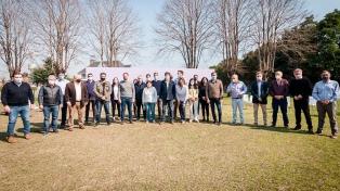Santilli y Manes pelean el voto de Juntos rumbo a las PASO en territorio bonaerense