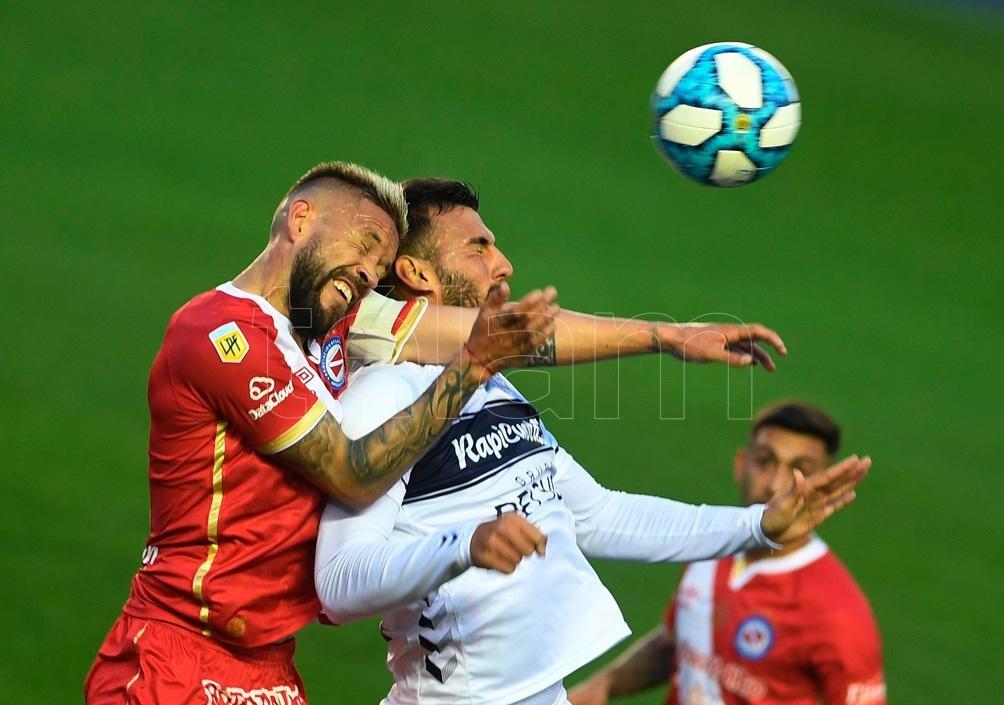 El Bicho fue más y enfrentará a San Telmo en cuartos de final.