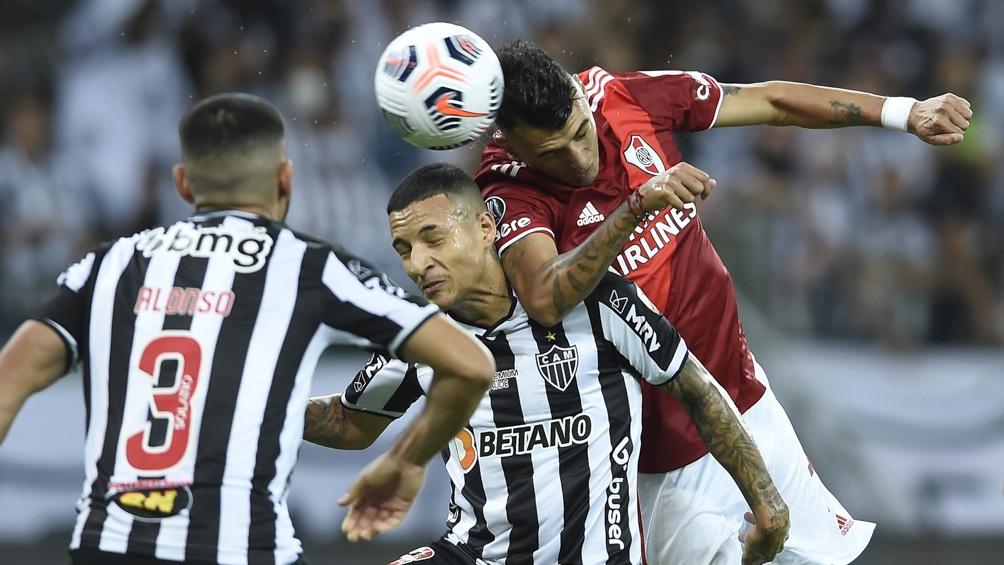Mineiro lo definió en la primera etapa con un contundente 2 a 0