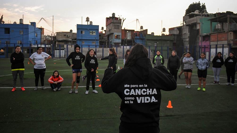 Lozano y Signorini instan por un fútbol como un derecho y no un privilegio