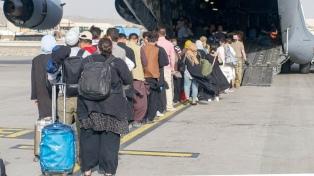 Italia, el país de la UE que más afganos evacuó, concluyó el puente aéreo desde Kabul