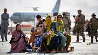 A tres días de su retirada de Afganistán, EEUU teme un nuevo ataque y apura las evacuaciones