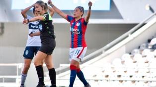 Fútbol femenino :San Lorenzo ganó y retuvo la punta de la zona A