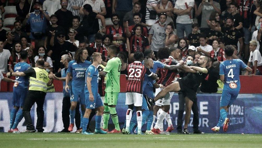 Los incidentes en el bochornoso partido entre Niza y Olympique.