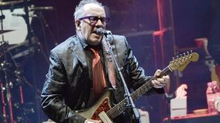 Un documental explora la historia de un clásico de Elvis Costello y su adaptación latina