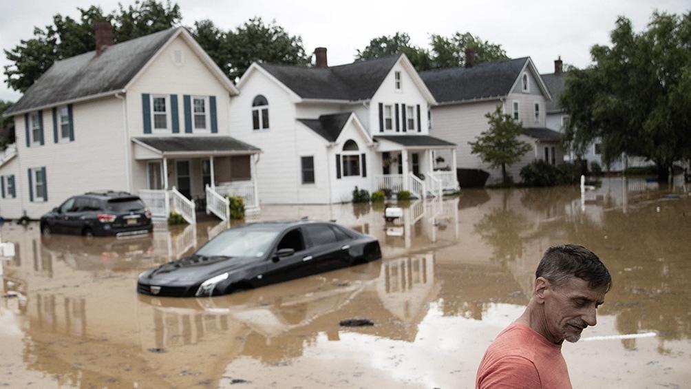 Con más de 38 centímetros de lluvia, las inundaciones que en el estado de Tennessee, en el sur de Estados Unidos, dejaron al menos 21 muertos y decenas de desaparecidos.