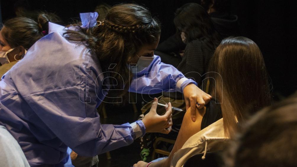 Desde que inició la campaña de vacunación, en Argentina se aplicaron 43.221.929 dosis. Foto: David Sánchez