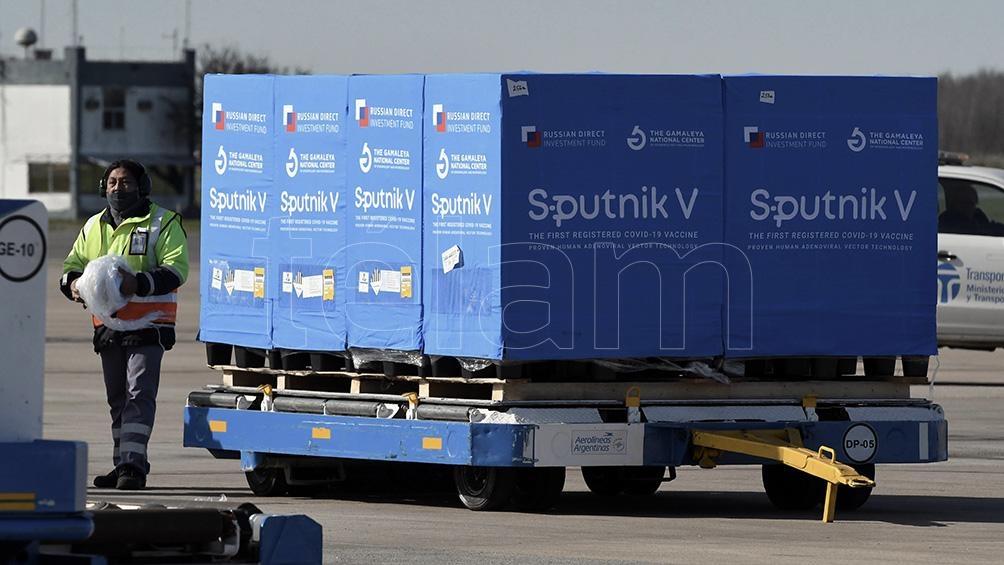 Llegan desde Rusias 400.000 dosis corresponden al componente 1 y 250.000 al componente 2. Foto Gustavo Amarelle.