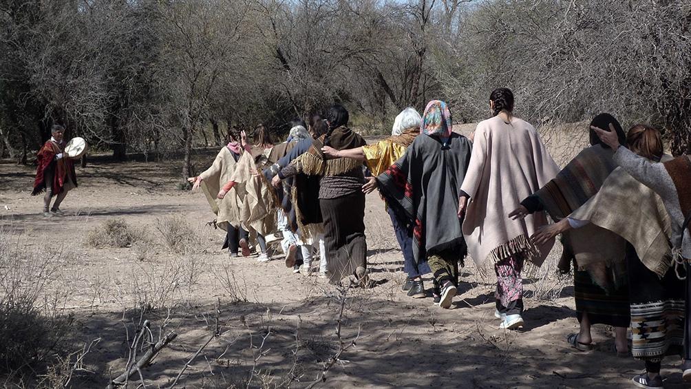 El Pueblo-Nación Pre existente Huarpe Pynkanta de Mendoza, San Juan y San Luis, lo integran más de 20 comunidades.