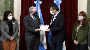 Massa y Barbieri presentaron el proyecto para la renovación del Hospital de Clínicas