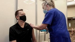 Confirmaron la efectividad de las vacunas, pero alertaron que disminuye a los seis meses