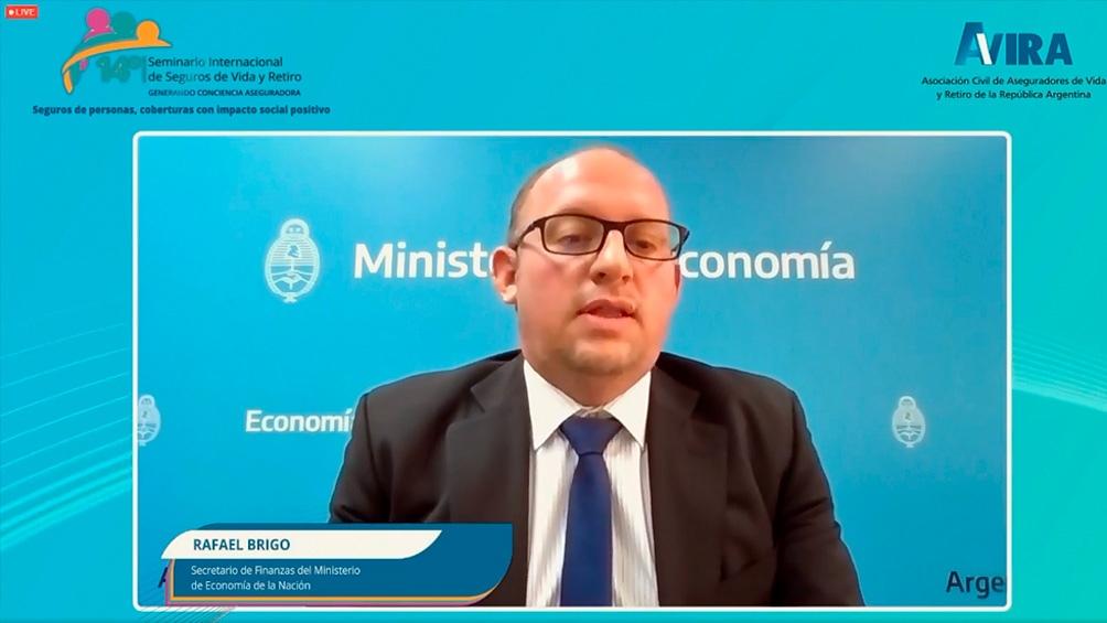 La exposición de Rafael Brigo, secretario de Finanzas, en el seminario de Avira.