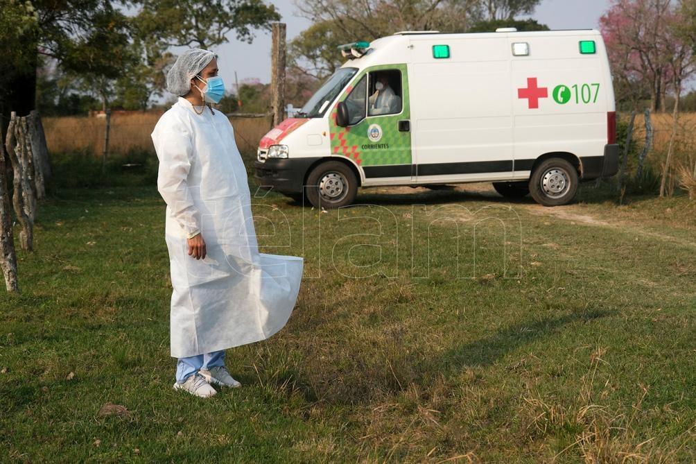Vencer la distancia entre el Hospital y los parajes con las vacunas en una conservadora es una tarea que comparan con trasladar un paciente grave. Foto: Germán Pomar