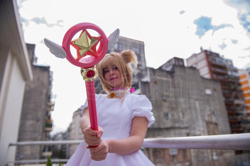 Velociraptito vestida de Sakura Kinomoto de Sakura Card Captors (Foto: Lara Sartor)