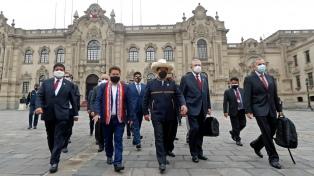 Castillo ganó la primera batalla en el Congreso, pero la guerra con la oposición persiste