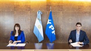 Radio y Televisión Argentina firmó un convenio con YPF