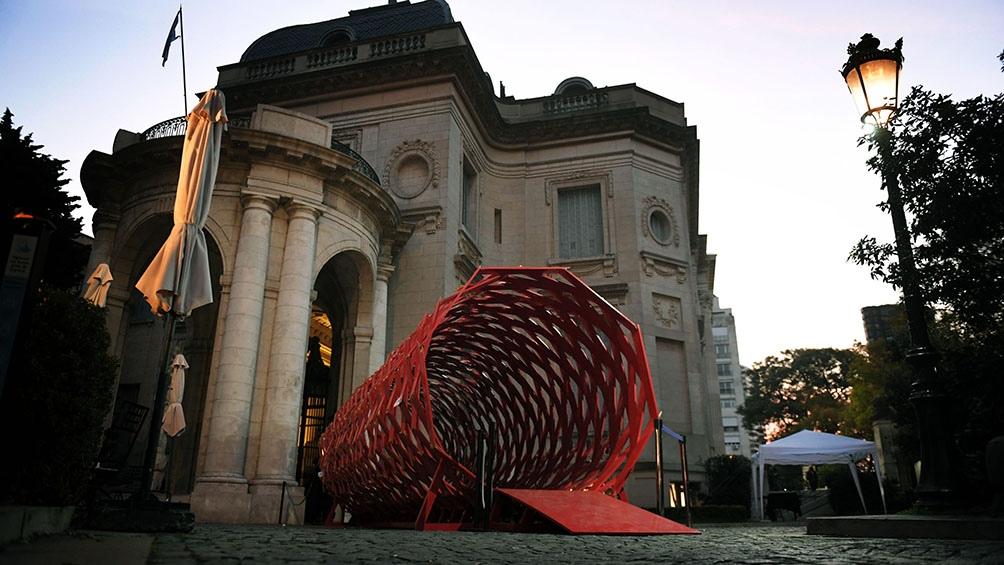 """""""Fantasías plebeyas"""" en el Museo Nacional de Arte decorativo."""