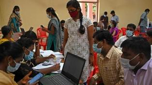 India alcanzó un récord al vacunar contra la Covid-19 a 10 millones de personas en un solo día