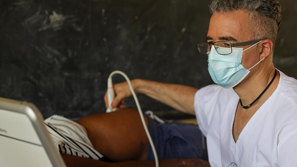 Los enviados emplazaron un Hospital con nivel de atención tipo 1 para aumentar la capacidad sanitaria local. Fotos: Prensa Cascos Blancos.