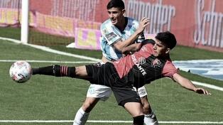 Atlético Tucumán venció 2 a 1 a Newell's en Rosario y se acercó a la punta