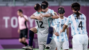Los Murciélagos golearon a Tailandia y enfrentarán a China en semifinales