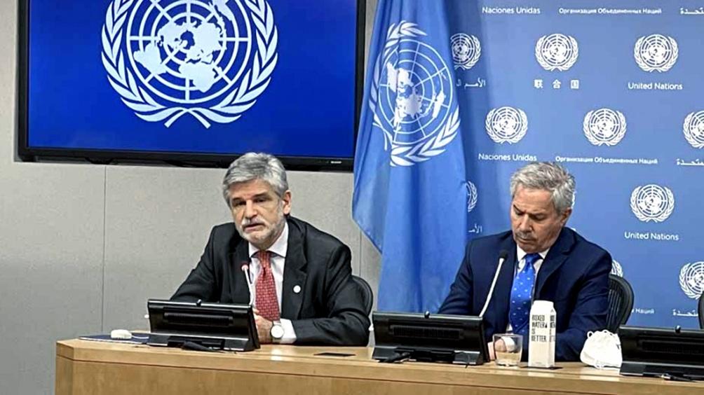 Filmus y Solá expusieron a través de una videoconferencia.