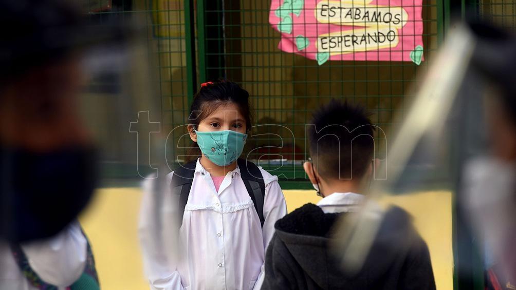 Los especialistas insistieron con la importancia de mantener la distancia social, ventilación cruzada y uso riguroso del tapabocas. Foto: Daniel Dabove