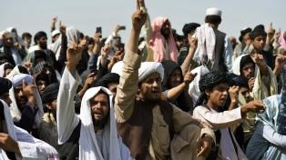 """Los talibanes pidieron que """"los refugiados afganos vuelvan al país"""""""