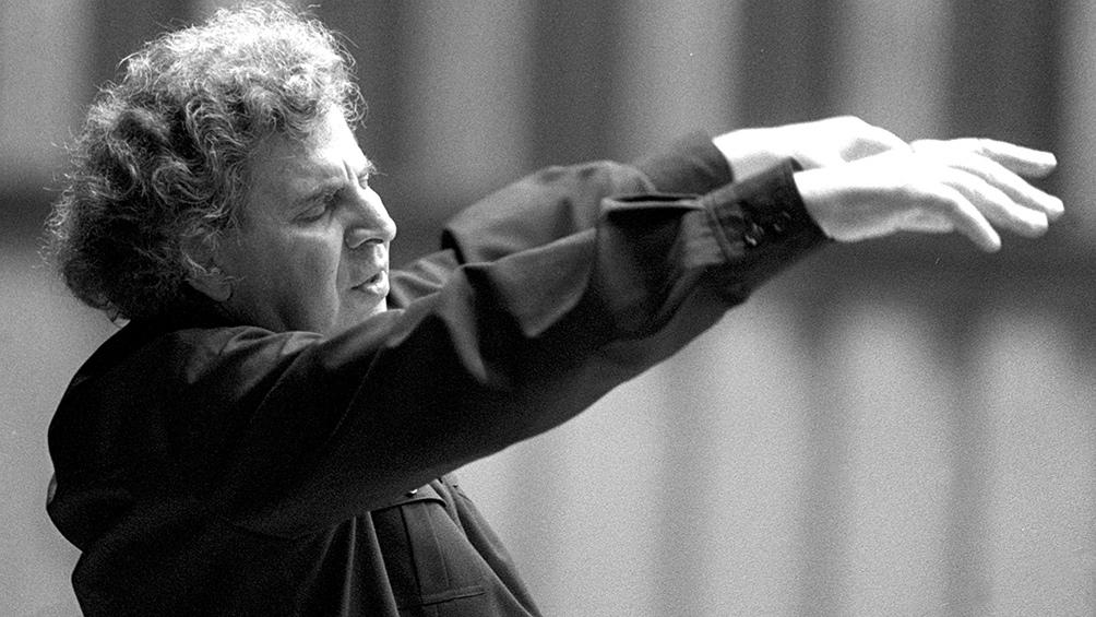 """Murió a los 96 años Mikis Theodorakis, el célebre compositor de """"Zorba el griego"""" - Télam - Agencia Nacional de Noticias"""