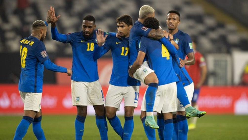 Brasil venció a Chile en Santiago, en uno de los duelos por Eliminatorias. Foto: @CBF_Futebol