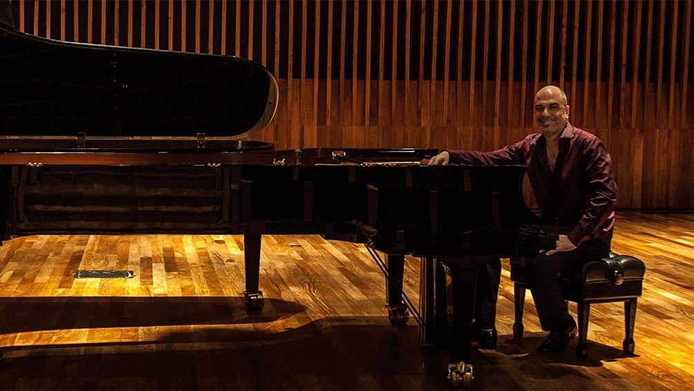 """Quizá su obra de mayor repercusión sea """"Misa Criolla"""", publicada en 1965 y que inauguró la música litúrgica argentina en grandes salas de todo el planeta."""