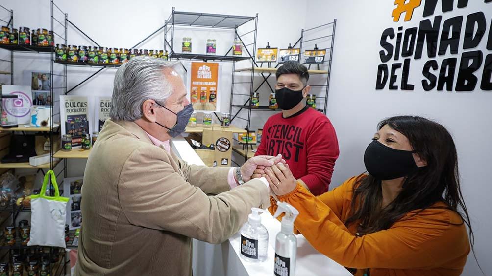 Los productos de Laura Silva fueron degustados por el jefe de Estado antes de asumir en 2019. Foto: Presidencia.