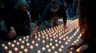 Realizaron en Plaza de Mayo un nuevo homenaje a los fallecidos por coronavirus