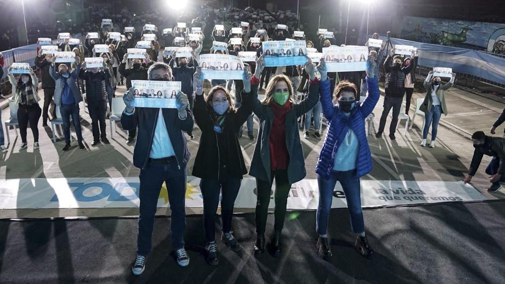 Kirchner estuvo en el acto junto a Victoria Tolosa Paz y Mayra Mendoza. (Foto: Prensa FdT).