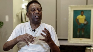 Pelé fue trasladado a terapia intermedia tras un problema respiratorio
