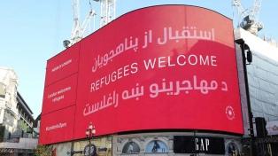 Londres le da la bienvenida a los refugiados afganos con promesas de ayuda