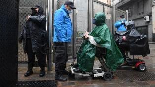 """Personas en sillas de rueda reclaman al gobierno porteño políticas de """"inclusión"""""""