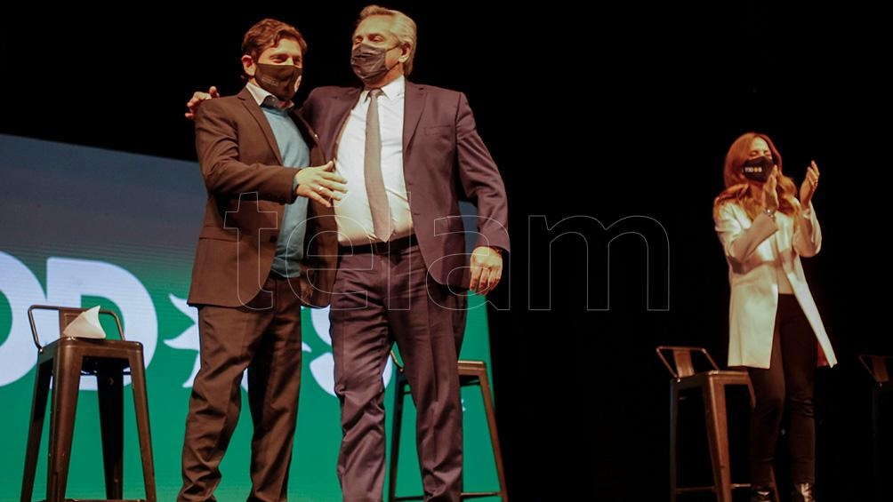 El Presidente y el gobernador de la provincia en el acto de cierre. (Foto Diego Izquierdo)