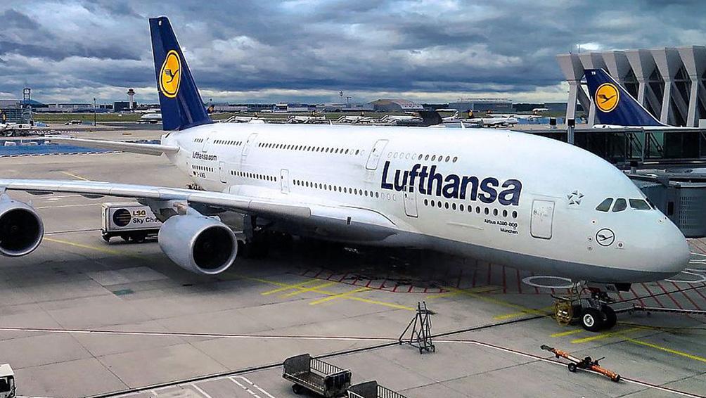 El avión que trasladaba a Alemania realizó un aterrizaje de emergencia en Escocia