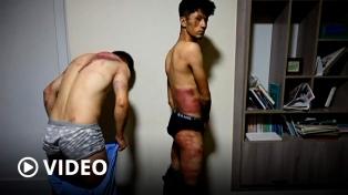 Los talibanes detuvieron y golpearon a dos periodistas afganos que cubrían una marcha