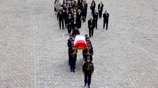Francia despide con emoción a Jean-Paul Belmondo en el Patio de los Inválidos