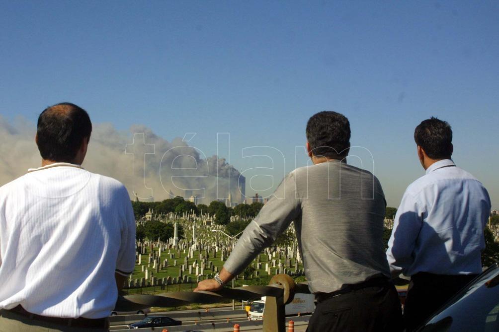 Los impactos fueron tan poderosos que una nube extensa de humo se pudo ver desde el espacio. Foto: Miguel Rajmil