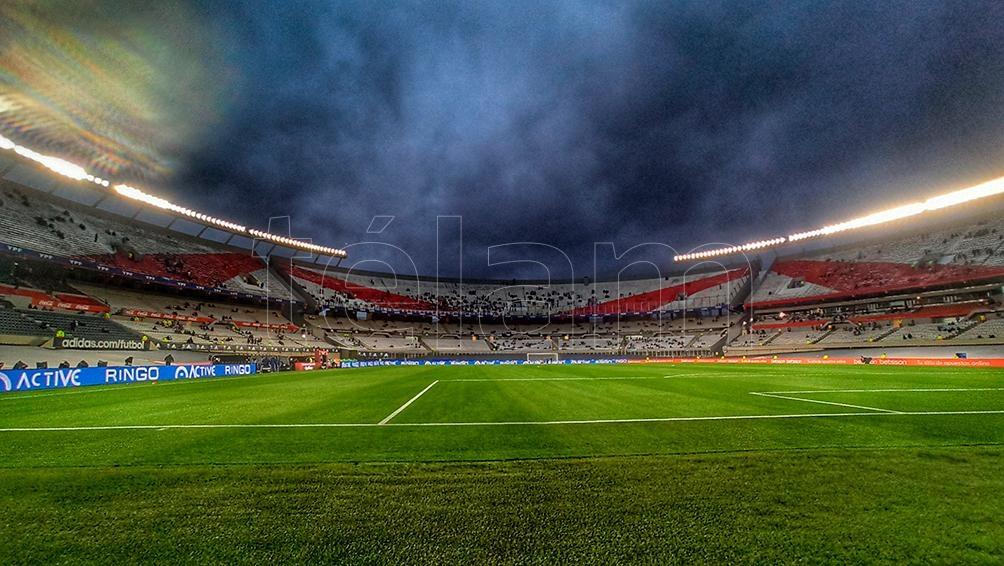El estadio Monumental en el partido de Argentina con Bolivia por las eliminatorias sudamericanas.
