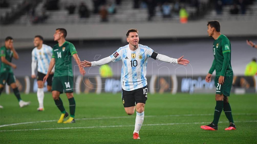 79 TANTOS CON LA «ALBICELESTE»: Messi superó el récord de Pelé como máximo goleador en selecciones sudamericanas