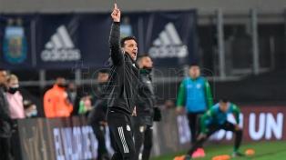 """Scaloni: """"Messi le está dejando un legado a todos los futbolistas de la Selección"""""""