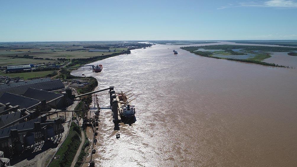 La Administración General de Puertos (AGP) estará a cargo de controlar y gestionar durante los próximos 12 meses la vía navegable más importante de la Argentina, que atraviesa siete provincias.