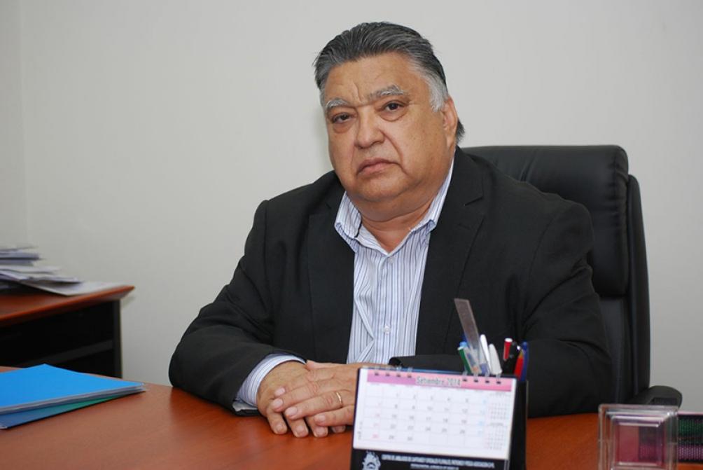 El secretario general del Centro de Patrones y Oficiales Fluviales, de Pesca y de Cabotaje Marítimo, Julio González Insfrán.