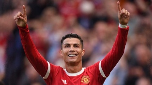 Cristiano Ronaldo hizo vibrar Old Trafford con dos goles en su regreso a Manchester