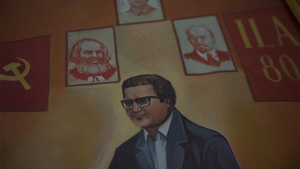 Pese a que Guzmán tenía seguidores explícitos en el Movimiento por Amnistía y Derechos Fundamentales (Movadef), nadie lloró en estos días en público su muerte y hubo, en cambio, un extendido repudio a su accionar.